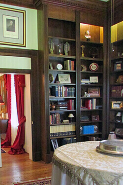 Hermitage Rippy Estate Library Room picture